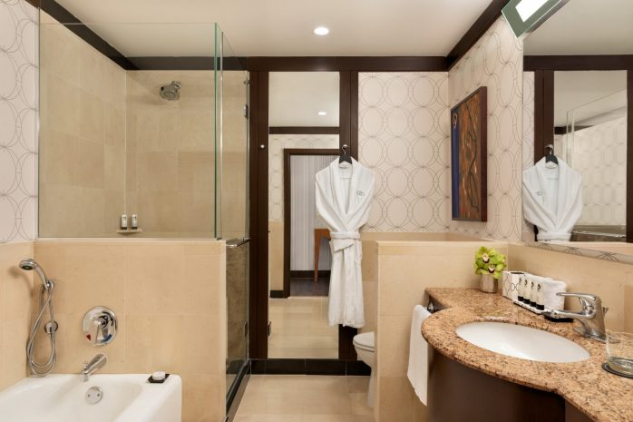 sofitel-philadelphia-guestroom-bathroom-1388474-copy